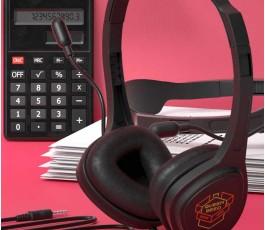 auriculares para videollamada Talky personalizados a todo color en una mesa