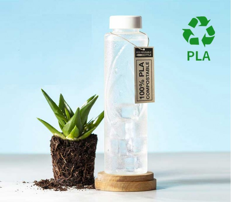 botella de agua de PLA para personalizar en mesa con maceta