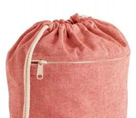 detalle de mochila de cuerdas de algodon reciclado modelo ZS92928 color rojo