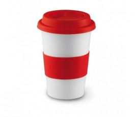taza de ceramica blanca con franja y tapa de silicona de color rojo