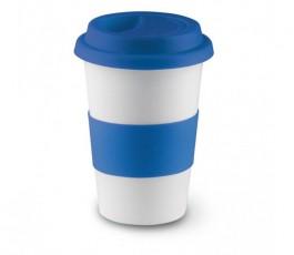 taza de ceramica blanca con franja y tapa de silicona de color azul