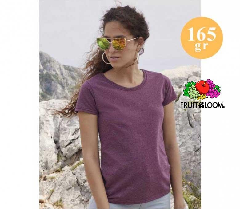 mujer con camiseta fruit of the loom de 165 gr
