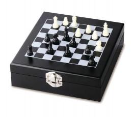 caja del set de vino con tablero y piezas de ajedrez