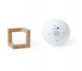 base del altavoz en forma de bola con lampara en base de madera separados