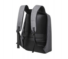 parte trasera de vista de mochila antirrobo reflectante para portatil y tablet en luz de dia
