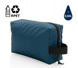 neceser de RPET IMPACT color azul marino en fondo blanco con sello de ahorro de agua