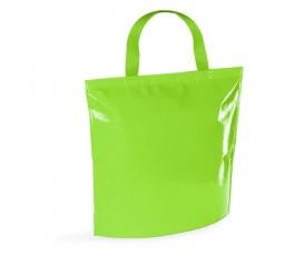 bolsa nevera de non-woven laminado de color verde en fondo blanco