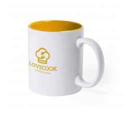 taza de color blanco e interior de color amarillo personalizada con logo y sello