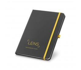 libreta tipo moleskine color negro con detalles en amarillo