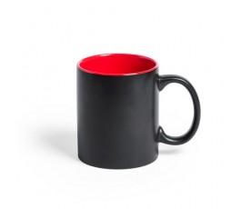 taza negra e interior rojo preparada para personalizacion con laser