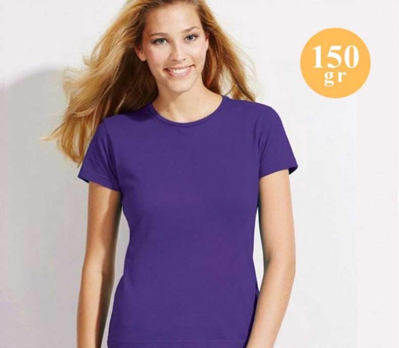 mujer con camiseta SOLS Regent color morado